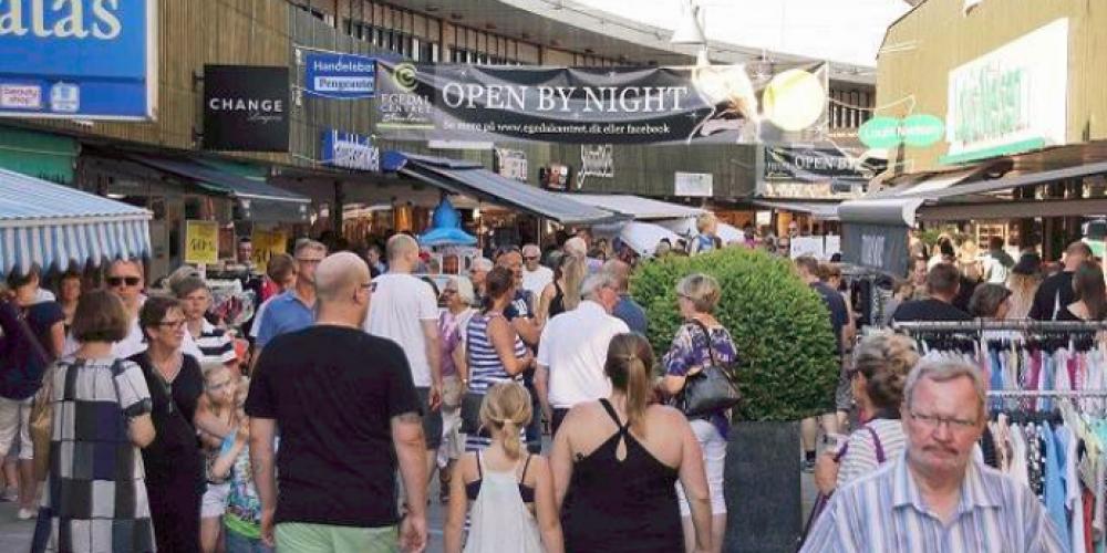 En skøn start på weekenden: OPEN BY NIGHT fredag den 1. juni